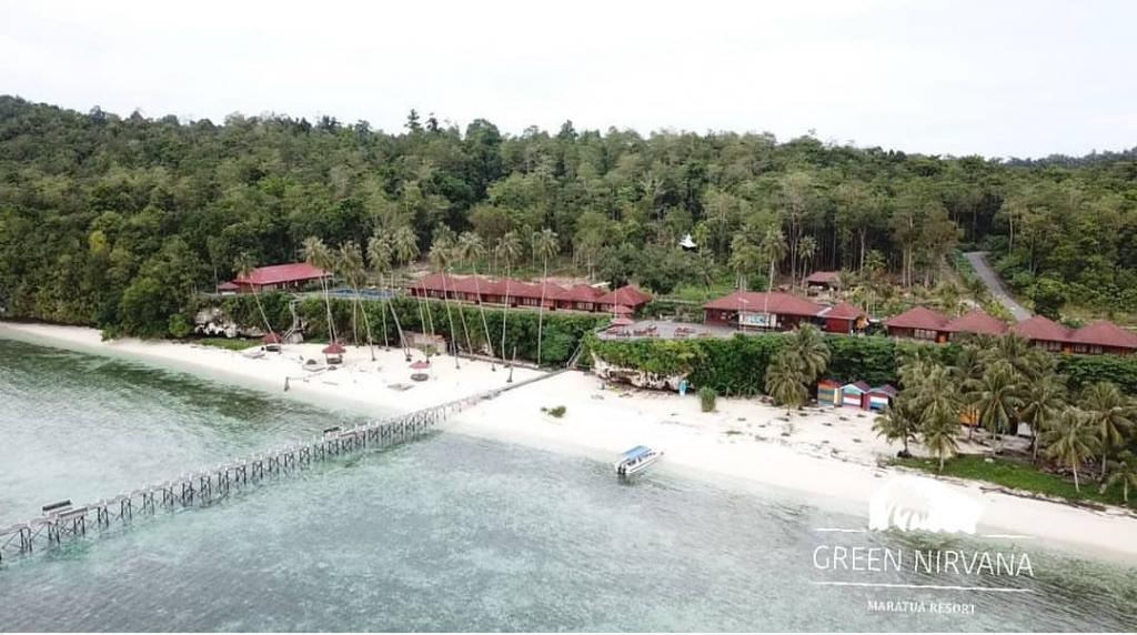 Green Nirvana Resort with the Wihte Sandy Beach...